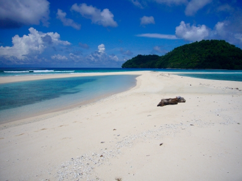 paradise, beach, most beautiful beach, Banda, Bandas, Banda Islands, Pulau Run, Pulau Nailaka, snorkeling, Terry Donohue, Indonesia