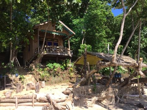 paradise, beach paradise, beach, Bandas, Banda Islands, beach shack, Robinson Crusoe, Pulau Hatta, castaway