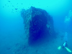 Dive, diving, wreck diving, tahuna, tahuna bay, Sangihe, Sulawesi, Indonesia, Terry Donohue